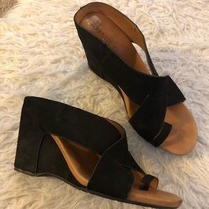 Gentle Souls Kenneth Cole Inna wedge sandals shoes